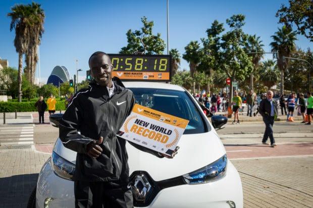 Recorde mundial na Meia Maratona: o queniano Abraham Kiptum baixou o 5 sesgundos do recorde anterior.